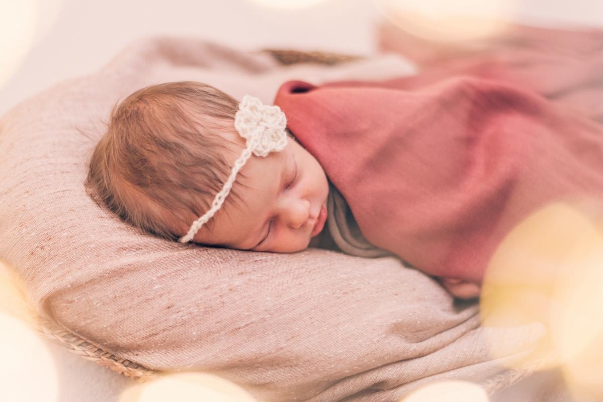 Bērnu Jaundzimušo Fotosesija Dzemdību nams Fotogrāfs Ģimenes