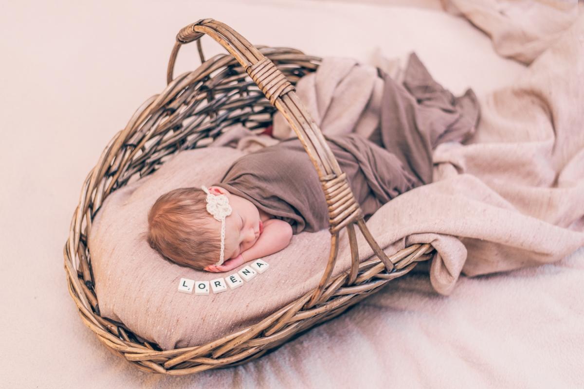 Bērnu Jaundzimušo Fotosesija Labākā Ideja Dāvanai Raudzībās Fotogrāfs