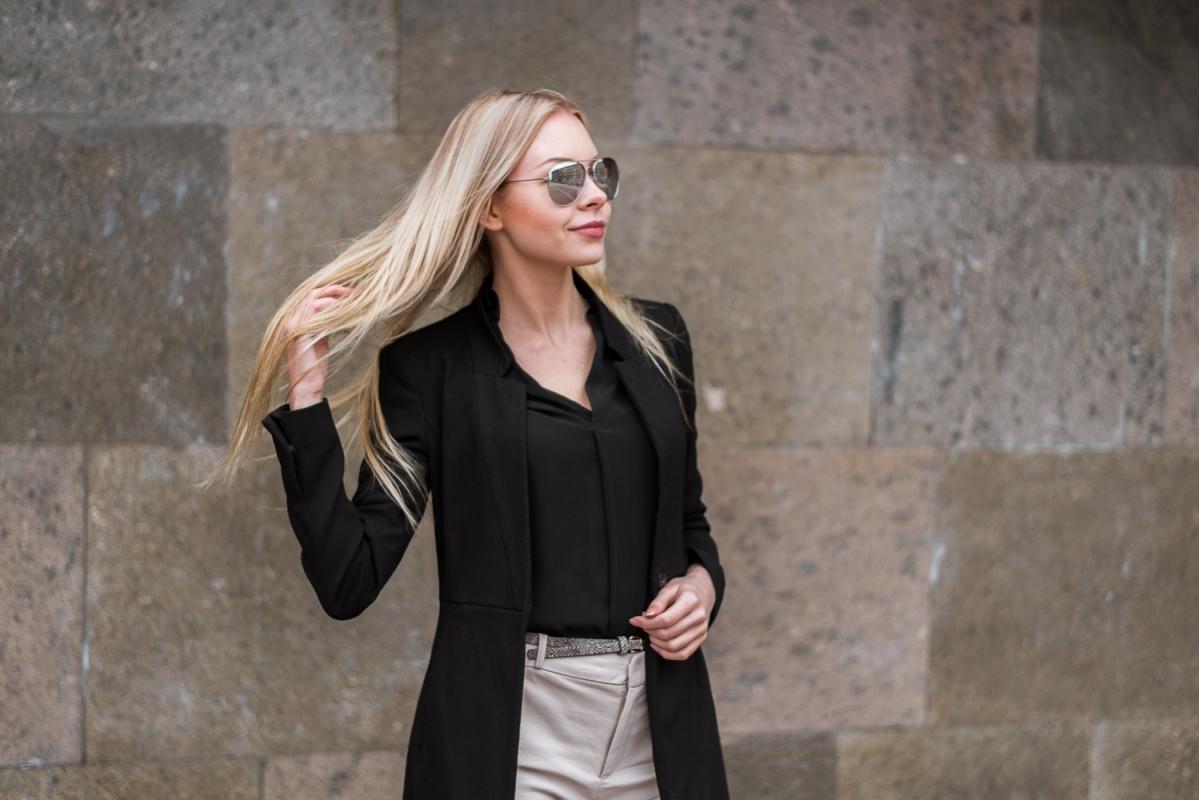 Fotosesija Rīgā Laba Dāvana Jubilejā Dzimšanas Dienā Draudzenei Pārsteigums Cena Gaismas Pils