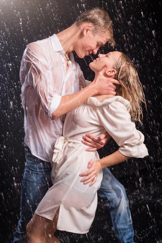 Pāru Ūdens Lietus Fotosesija Romantiski Ideja Dāvanu Karte Fotogrāfs