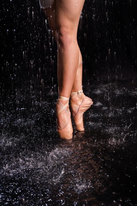 Sievietes Ūdens Lietus Fotosesija Studijā Dāvana Vīrietim Balerīna
