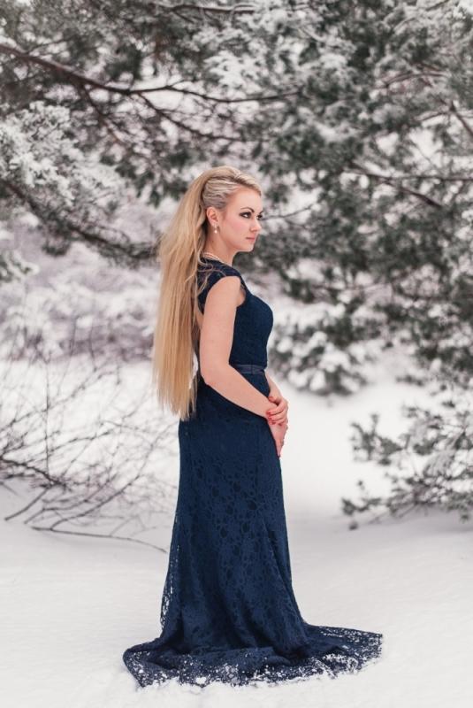 Ziema Sniegs Interesanta Ideja Fotosesijai Dāvanai Sievai Kleita